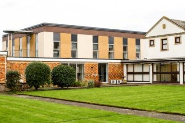 Staverton Court - Image 2