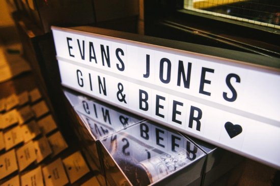 Evans Jones host 'Ultimate Gin and Beer Experience'